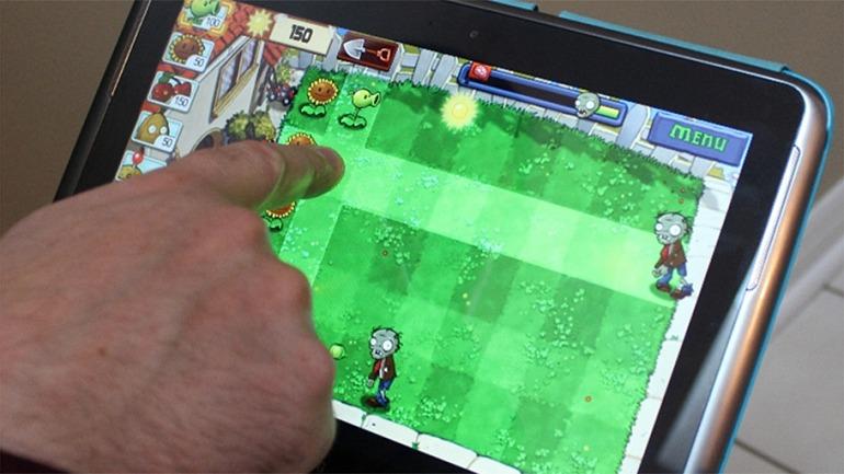 Aunque podamos encontrar juegos perfectamente diseñados para jugar en smartphone o tablets, no siempre será el caso.